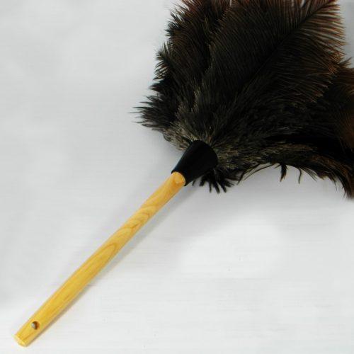 Struisvogel Plumeau met middellange houten steel