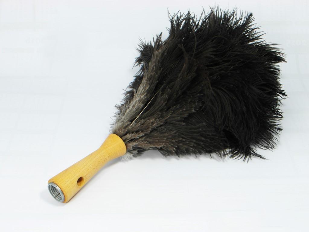 Struisvogel Plumeau met korte houten steel 35 cm